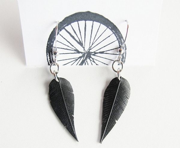 Tire tube feather earrings