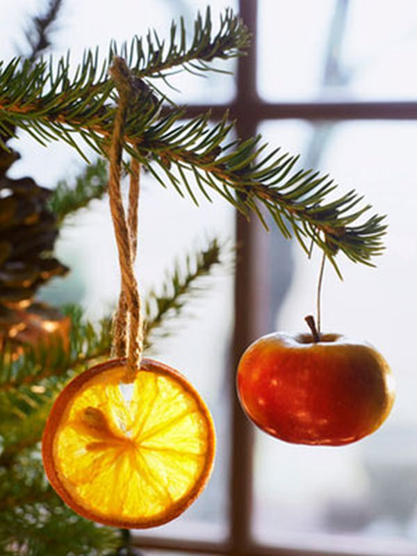 Decorate your Christmas tree with fruits