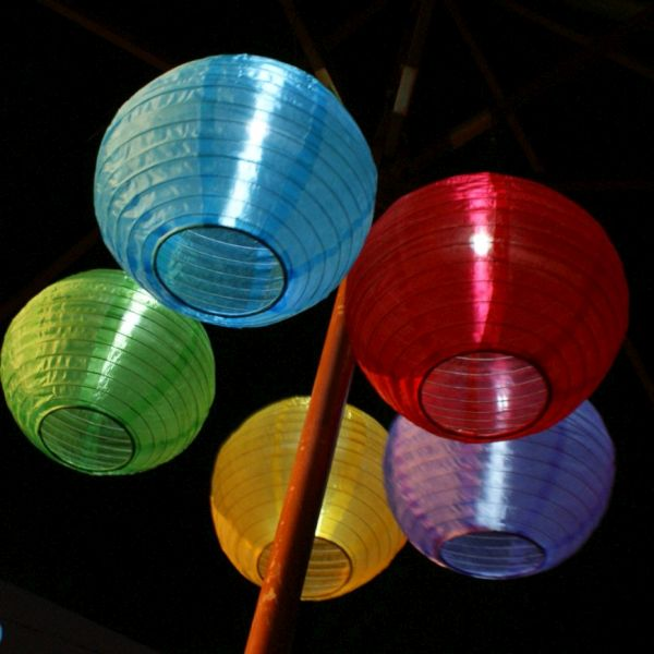 solar powered Chinese lantern lights