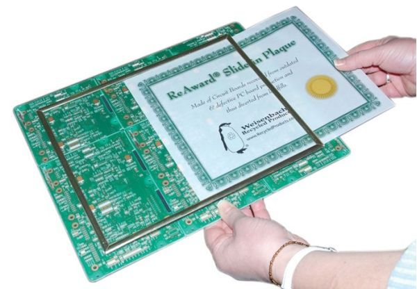 Recycled electronic photo frames