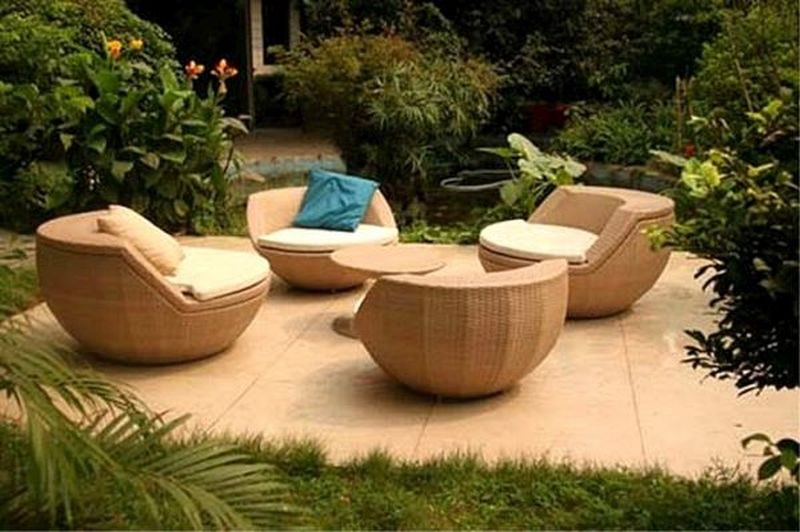 outdoor furniture (