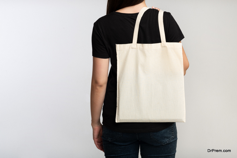 woman using Reusable Bag